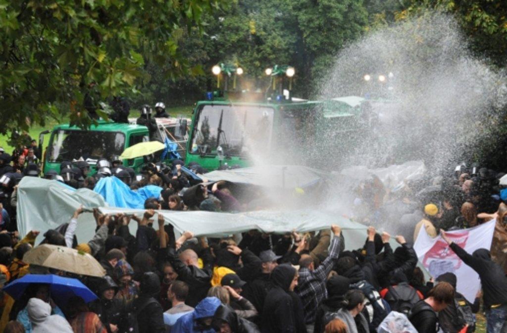 Der Untersuchungsausschuss Schlossgarten II hat sich mit dem Polizeieinsatz am 30. September 2010 auseinandergesetzt. (Archivfoto) Foto: dpa
