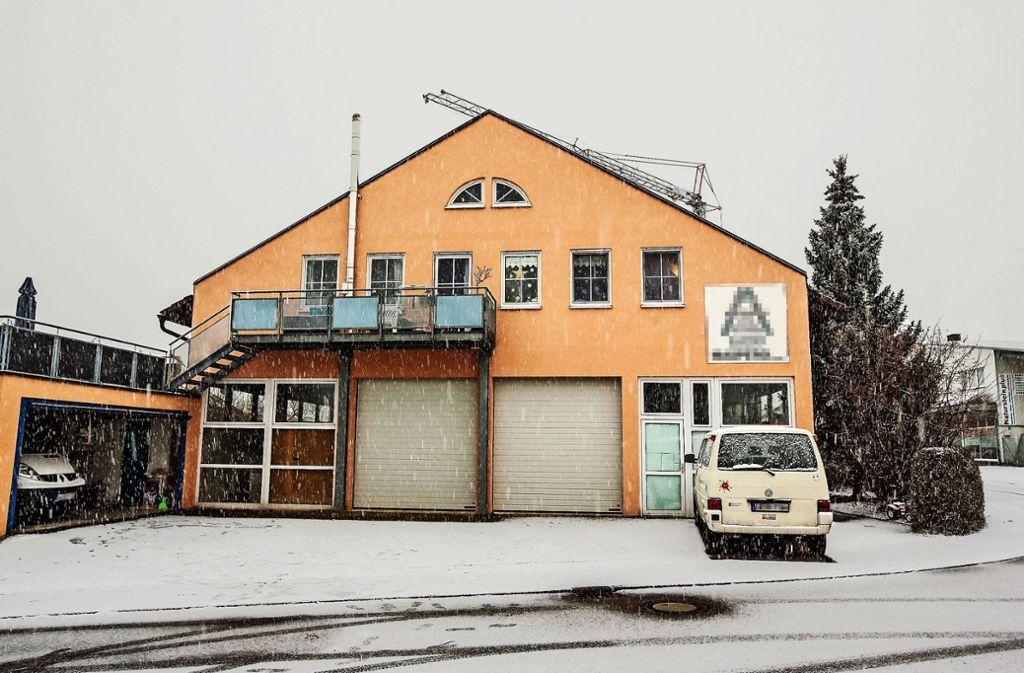 In diesem Gebäude soll die DRK-Rettungswache betrieben werden. Die Nachbarn halten das für den falschen Standort. Foto: KS-Images.de