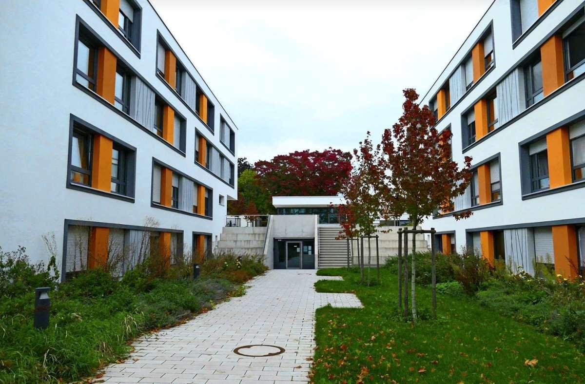 In den  Wohnheimen des  Studierendenwerks in Hohenheim, im Bild das  an der Egilolfstraße, gibt es derzeit keine freien Zimmer mehr. Foto: Torsten Schöll