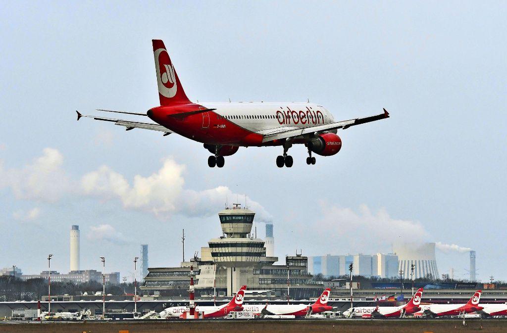 Air Berlin fliegt seit Jahren in den tiefroten Zahlen, nur im Jahr 2012 gab es einen Mini-Gewinn. Foto: dpa