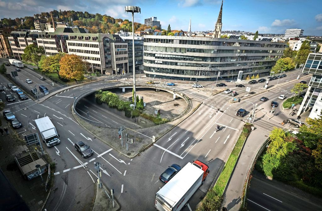 """Unter das """"Elefantenklo"""" soll Leben kommen: Vier  Felder für unterschiedliche Nutzungen sieht der Plan des  Stadtplanungsamtes vor. Foto: Lichtgut/Achim Zweygarth"""