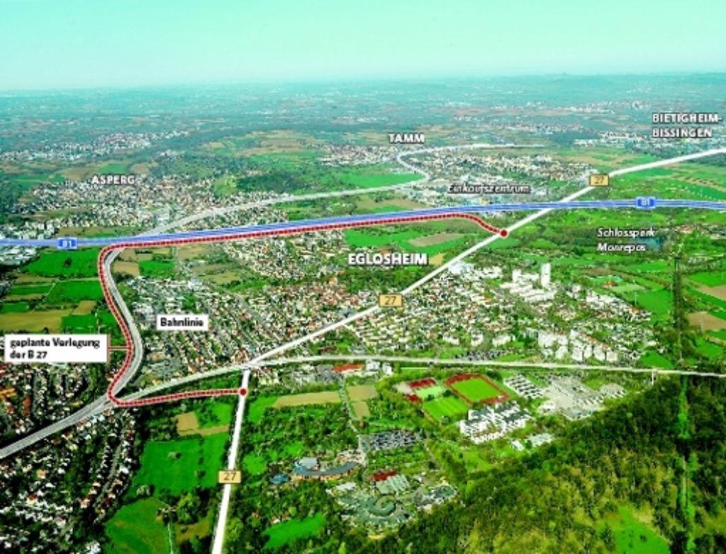 Von der Stadt forciert, doch vom Gemeinderat nun vorerst blockiert:  Das Konzept für Eglosheim sieht vor, die B27 von der Mitte des Stadtteils an den Rand zu verlegen, entlang von Bahntrasse und Autobahn. Foto: KuhnleMontage:StZ