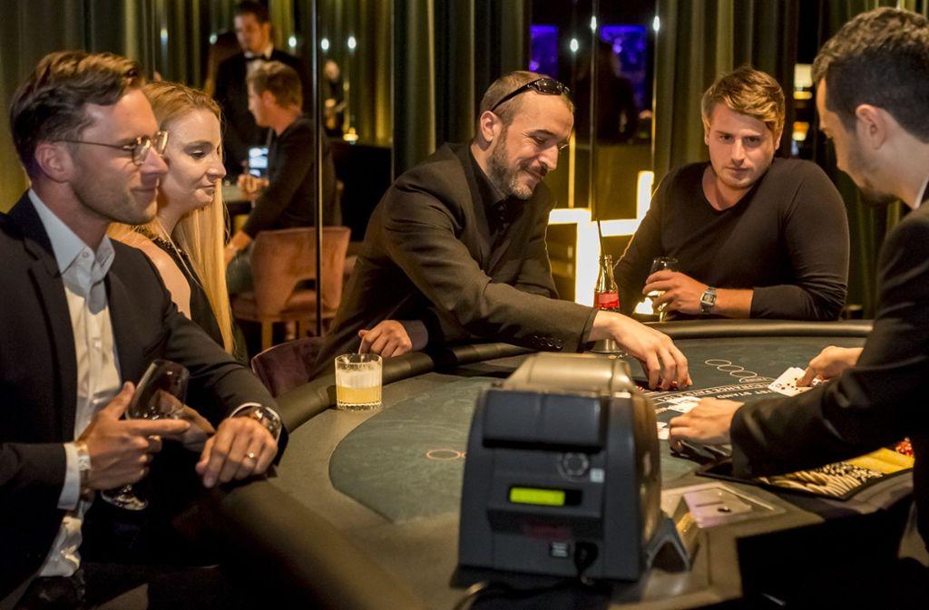 Freitags und samstags wird Black Jack in der Bar The New Grace im SI-Centrum gespielt Foto: Andreas Engelhard