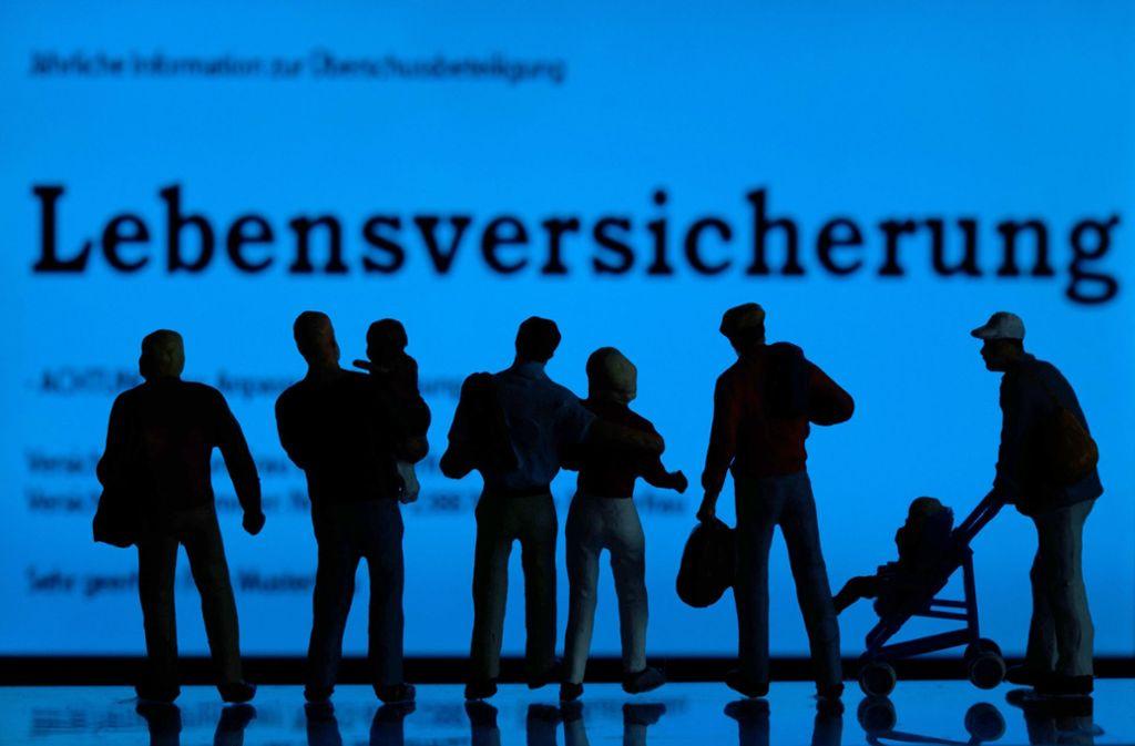 In Deutschland setzen viele Menschen auf  Lebensversicherungen. Insgesamt 90 Millionen Verträge gibt es. Foto: dpa
