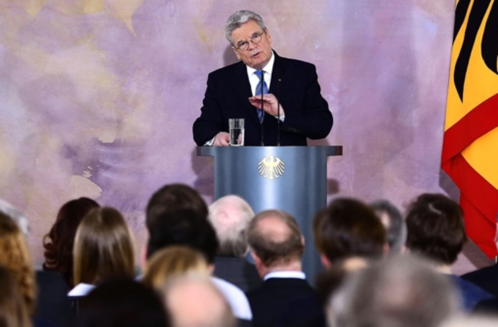 Bundespräsident Joachim Gauck hat am Freitag seine lang erwartete Europa-Rede gehalten. In unserer Bildergalerie beleuchten wir den Werdegang Gaucks. Foto: dpa