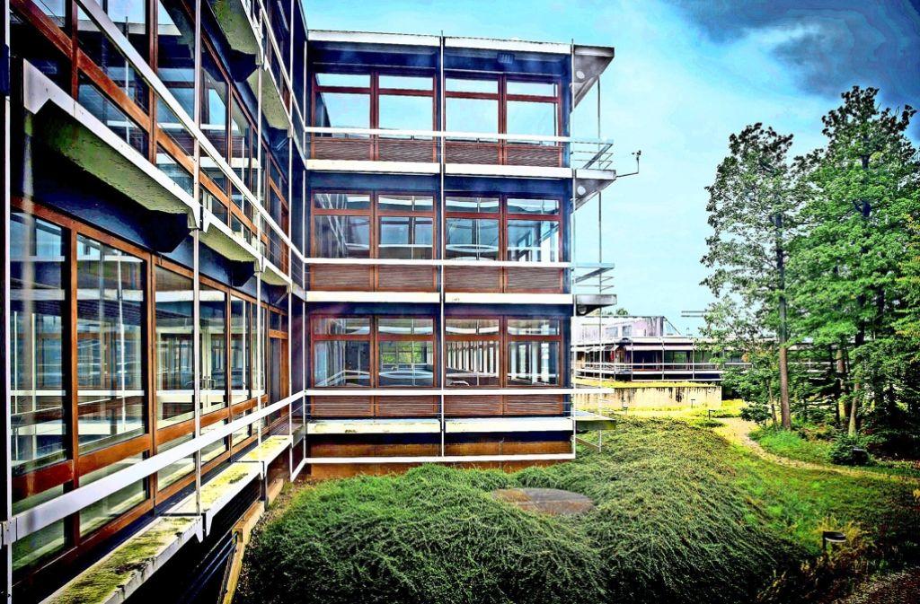 Die Suche nach einem Konzept, das den Erhalt der Eiermann-Gebäude  erlaubt, erweist sich als immer schwieriger. Foto: Zweygarth