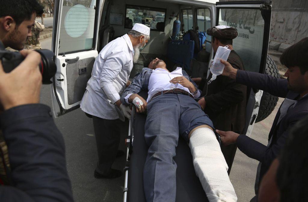 27 Menschen kamen bei dem Angriff ums Leben, weitere 29 wurden verletzt. Foto: AP/Rahmat Gul