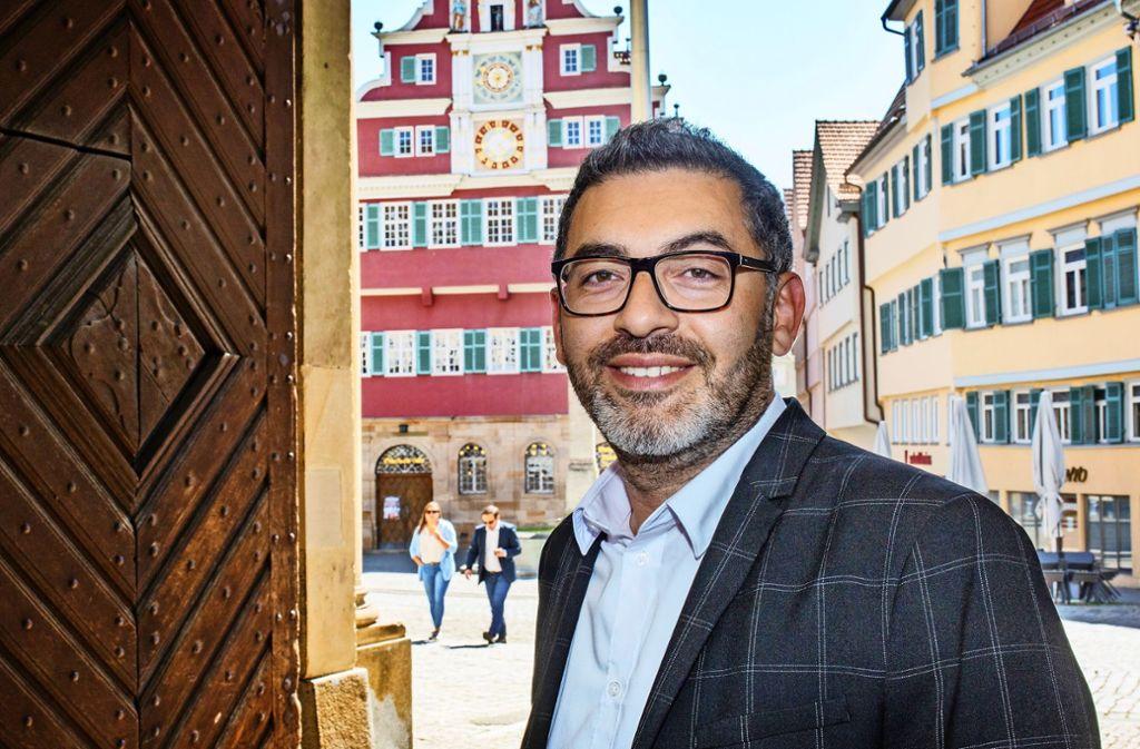 Yalcin Bayraktar, der erste von den Grünen gestellte Bürgermeister in Esslingen,  hat schon in den ersten dreieinhalb Monaten  viele Dinge angestoßen. Foto: Ines Rudel/l
