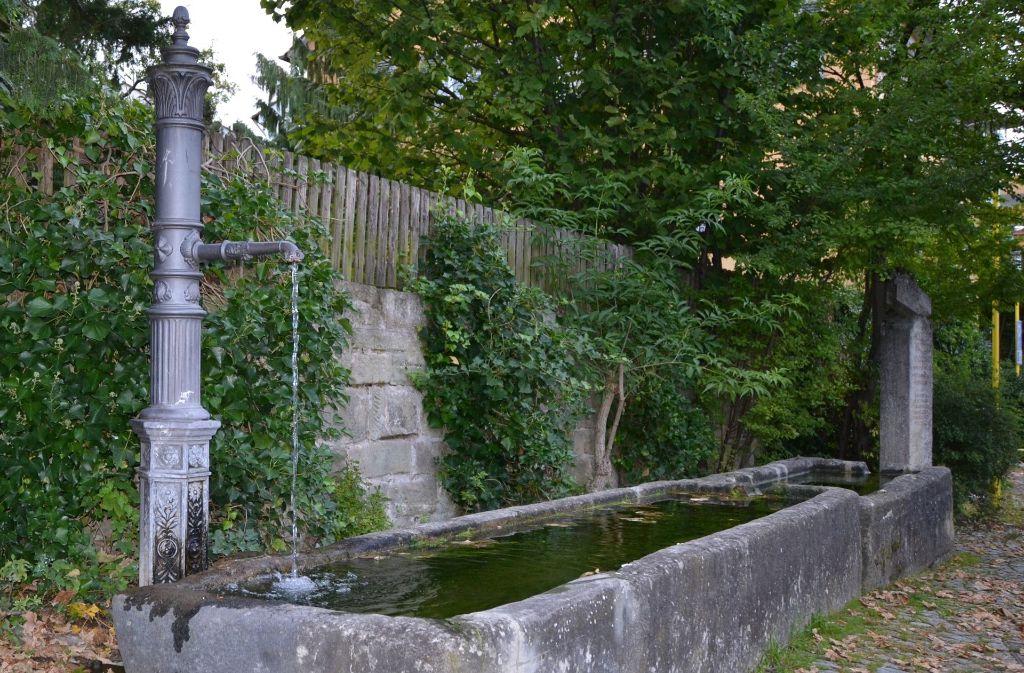Der Pfarrhaus-Brunnen von 1723 ist der älteste erhaltene Brunnen auf den Fildern. Foto: Fatma Tetik