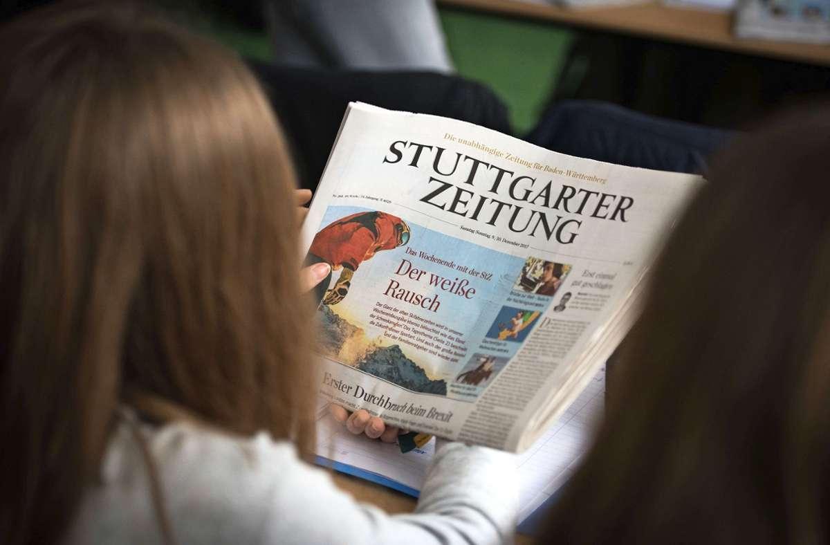 Zeitunglesen im Unterricht Foto: Lichtgut/Max /Kovalenko