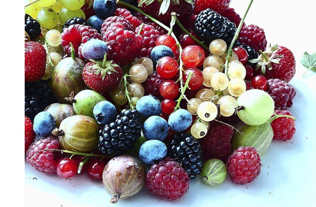 Die Beeren sind los – nicht nur am Markstand, sondern auch am Wegesrand. Foto: Pixelio