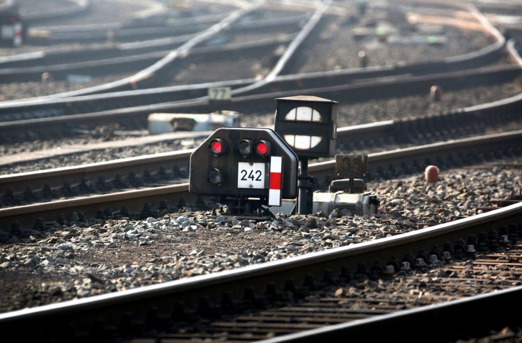 Der Bahn drohen erhebliche Strafzahlungen wegen des schlechten Zustands des Schienennetzes. Foto: dpa