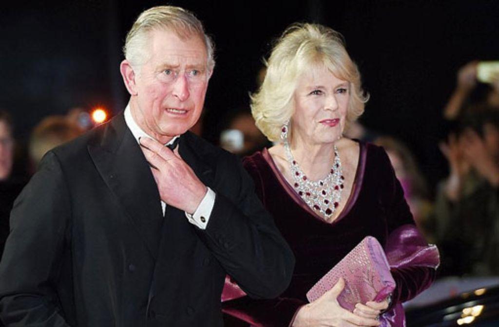 Prinz Charles und seine Frau Camilla wollen in den nächsten Tagen Irland besuchen. Dort wurden im Vorfeld der Reise Sprengsätze gefunden. (Archivfoto) Foto: dpa