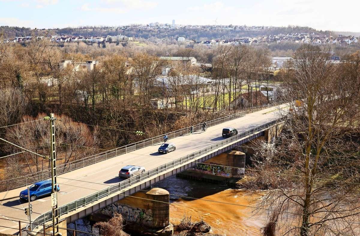 Die Arbeiten an der Enzbrücke sind derzeit unterbrochen. Foto: factum/Archiv