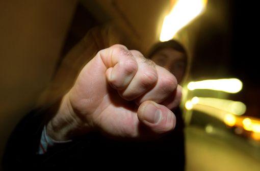 Streit wegen Drängelei an Kasse
