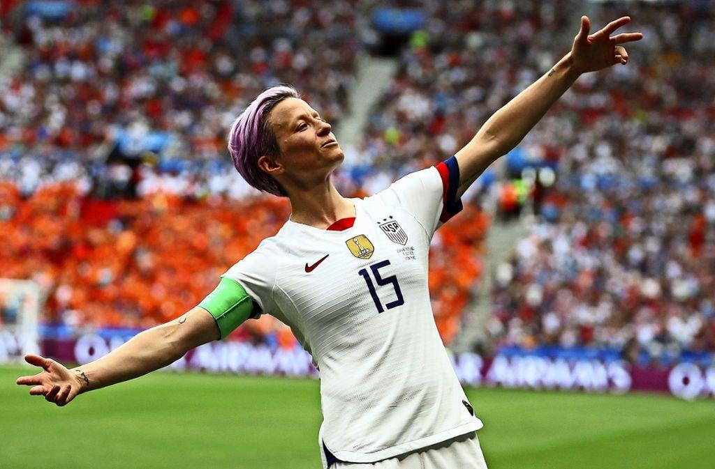 Außergewöhnliche Jubelpose, außergewöhnliche Frau: US-Fußball-Star Megan Rapinoe. Foto: AP