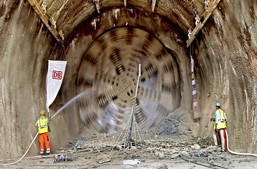 Die Arbeiten an der Neubaustrecke gehen voran. Der Fortschritt weckt Begehrlichkeiten. Foto: dpa