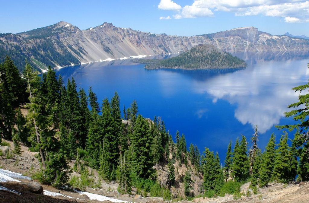 Diese Radtour ist kräftezehrend, denn die Aufstiege in Oregons Crater Lake National Park sind ganz schön anstrengend. Als Belohnung wartet oben ein Blick, der schöner nicht sein könnte.  Foto: Pixabay
