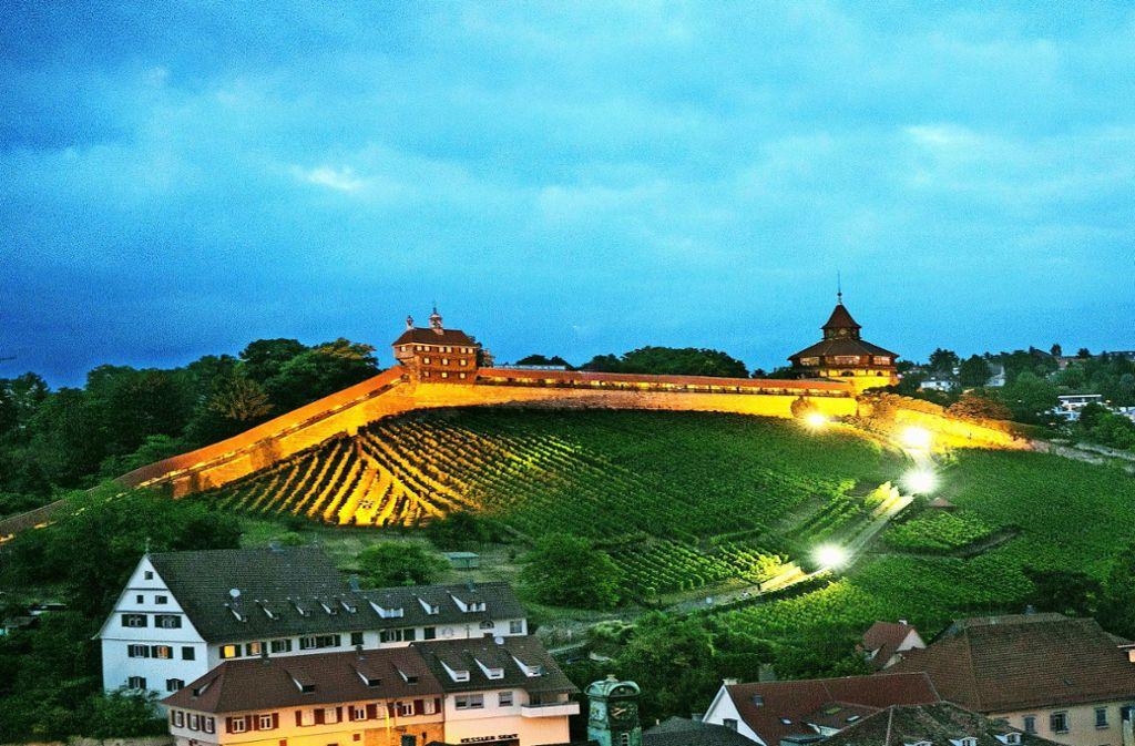 Die  Burg  thront als  Wahrzeichen über der Stadt. Untrennbar mit Esslingen verbunden sind  noch ein paar weitere Dinge. Foto: Horst Rudel