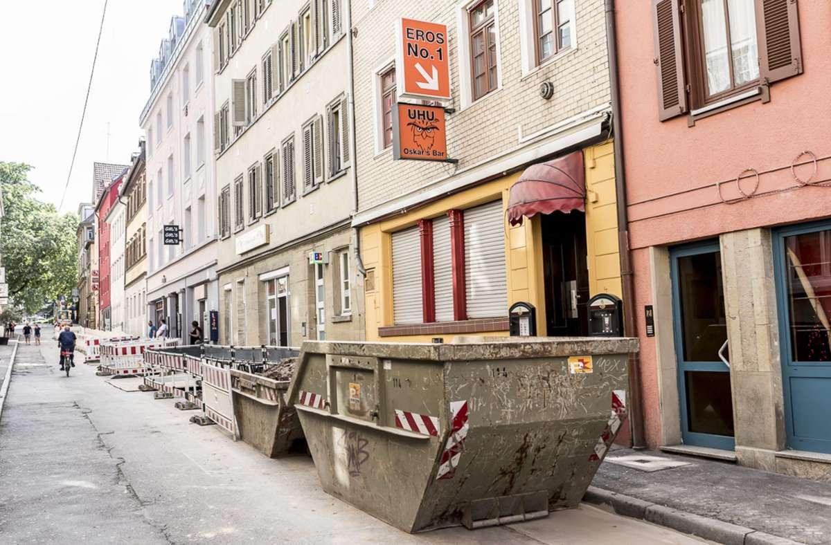 Container statt Außengastronomie: Die Altstadtwirte sind wütend. Foto: Andreas Engelhard