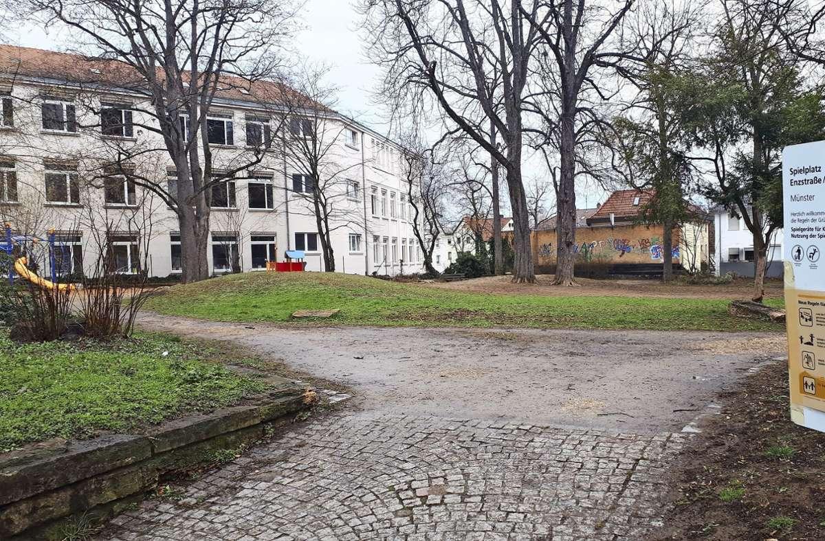 Die Spielfläche auf dem Alten Friedhof an der Enzstraße soll erneuert werden. 555000 Euro stehen für die Maßnahme zur Verfügung. Foto: /Edgar Rehberger