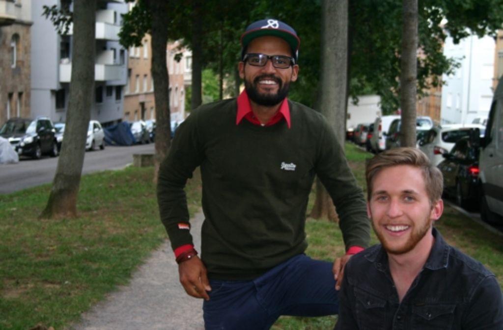 """Dominik Ochs (links)  und Lennart Arendt geht es bei ihrem Magazin """"Übermorgen""""  nicht ums Geld. Foto: Benjamin Schieler"""