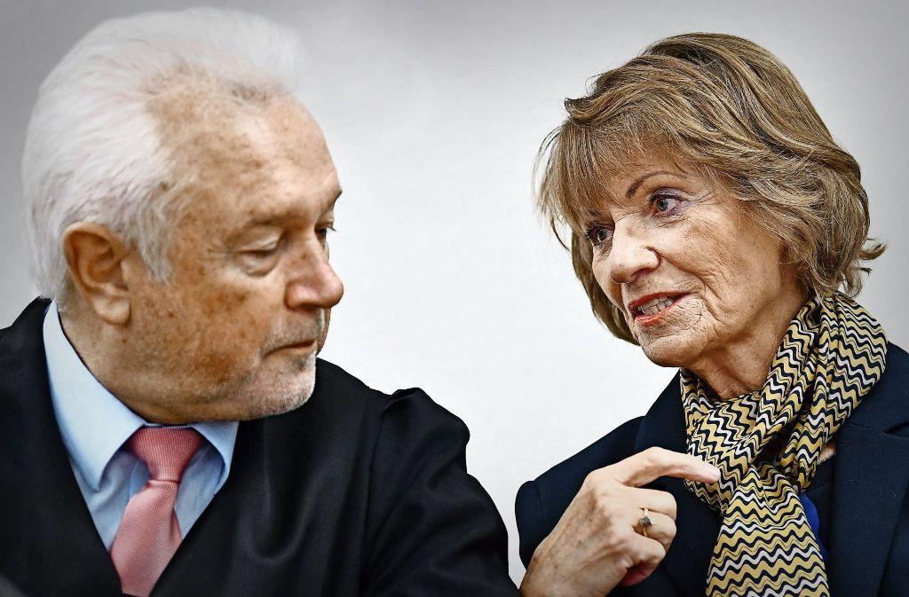 Die frühere Pforzheimer Oberbürgermeisterin Christel Augenstein und  ihr Verteidiger, der FDP-Politiker  Wolfgang Kubicki, überlegen nun, ob sie das Urteil anfechten. Foto: dpa