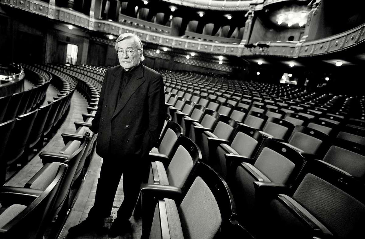 """Klaus Zehelein hat eine Ära geprägt, in der die Stuttgarter Oper  mehrfach als """"Opernhaus des Jahres"""" ausgezeichnet worden ist. Foto: Gottfried Stoppel"""
