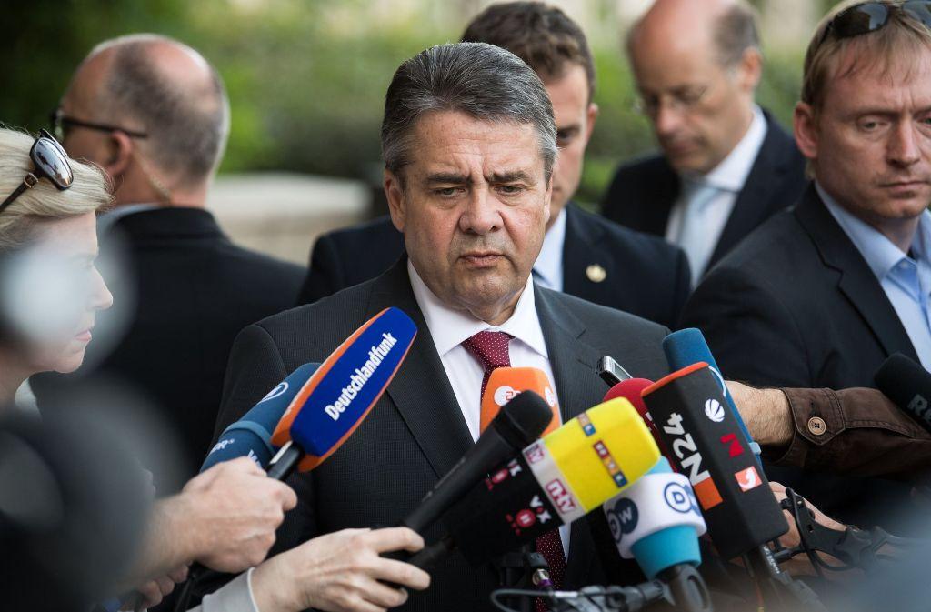 Außenminister Gabriel muss die Absage des Treffens mit Premier Netanjahu aus seiner Sicht bewerten. Foto: dpa