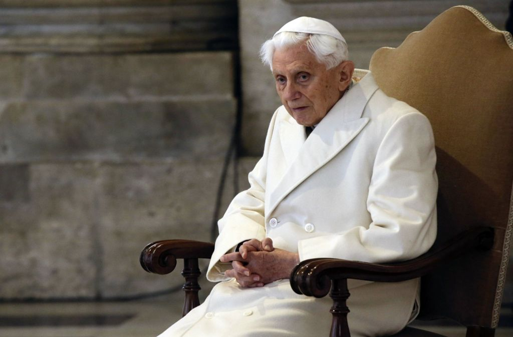 Auch für die Kirche in Deutschland sind Benedikts Äußerungen problematisch. Foto: dpa/Gregorio Borgia