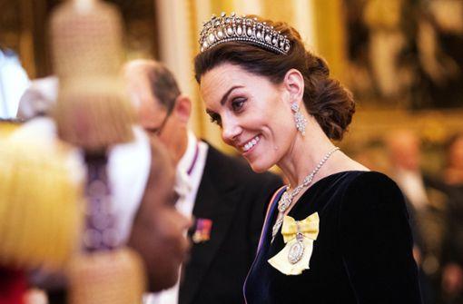 Was es mit Herzogin Kates Schmuckstücken auf sich hat