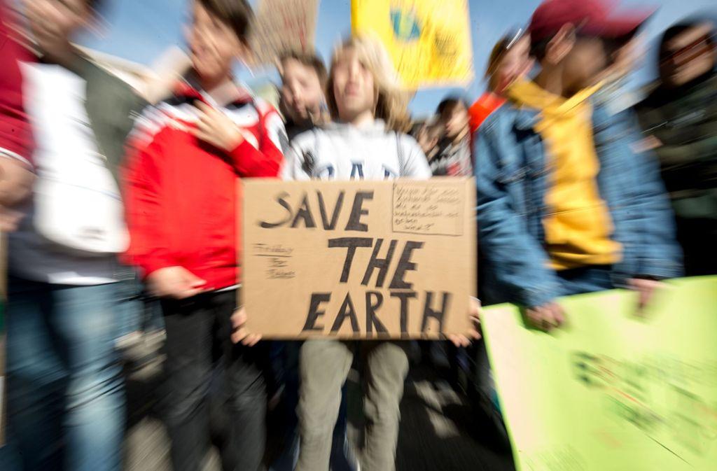 Jugendliche wollen auch an Karfreitag für den Klimaschutz demonstrieren. Foto: Lichtgut/Leif Piechowski