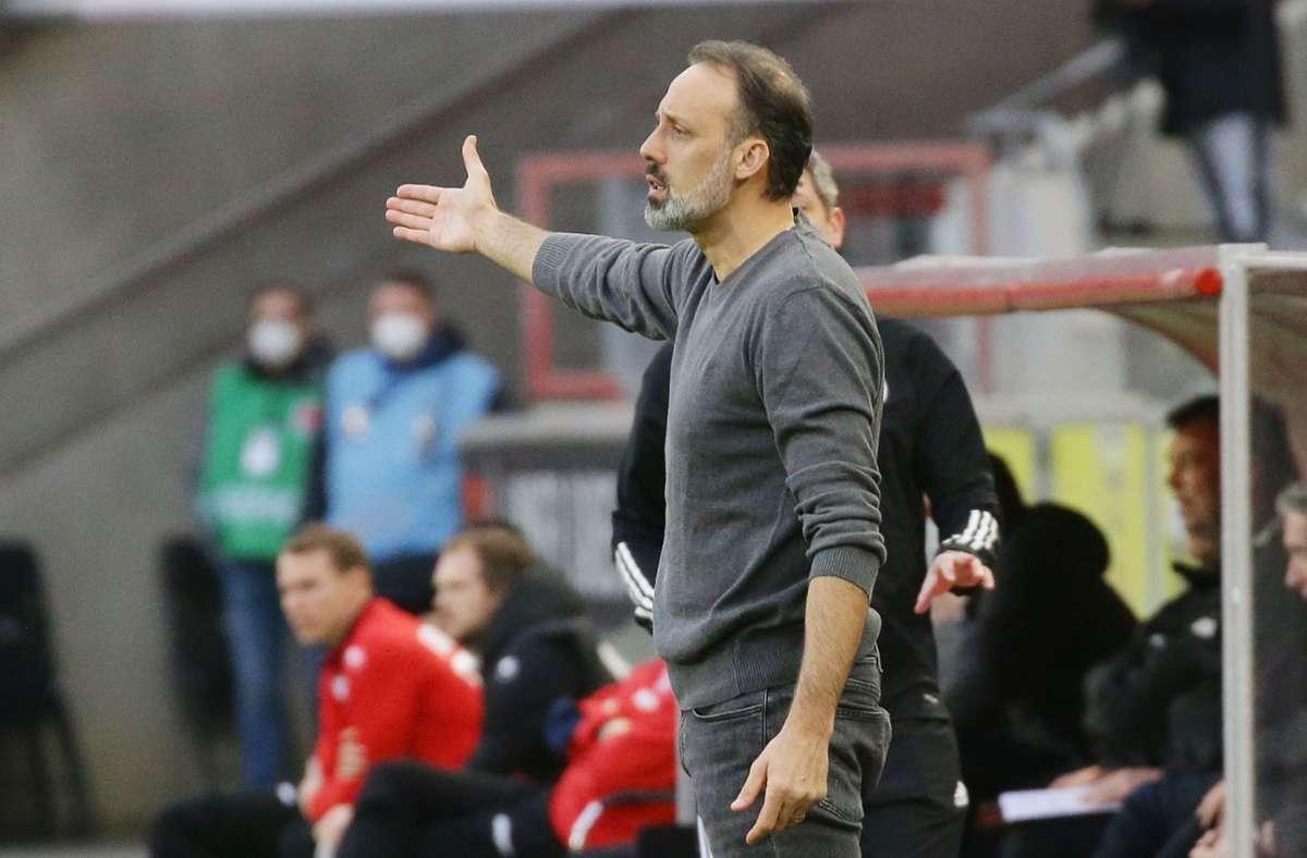 VfB-Trainer Pellegrino Matarazzo machte sich vor seiner Vertragsverlängerung Gedanken, ob die Unruhe in der Vereinsspitze seine Arbeit beeinflussen könnten. Foto: Pressefoto Baumann/Hansjürgen Britsch