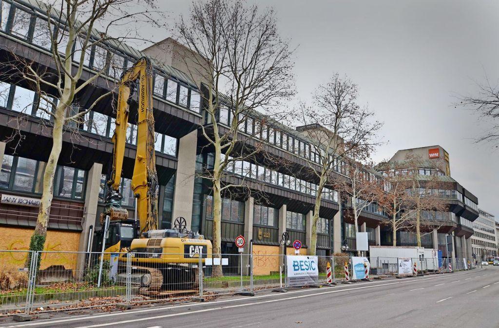 Das Ende des dreiteiligen Gebäudekomplexes an der Calwer Passage rückt näher. Foto: A. Rosar