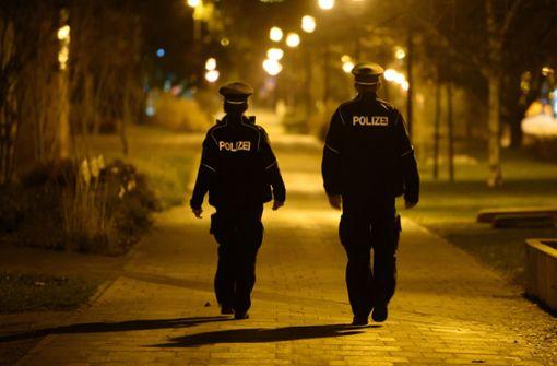 So will die Polizei die  Ausgangssperre überwachen