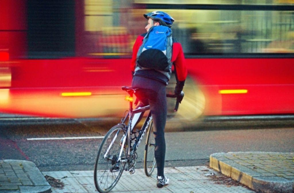 Die Nutzung von Fahrrad und Bus solle den Autoverkehr auf den Straßen des Landes reduzieren, propagierte die CDU früher.Hermann Schaufler war  vom 1992 bis 1998 Verkehrsminister. Foto: privat