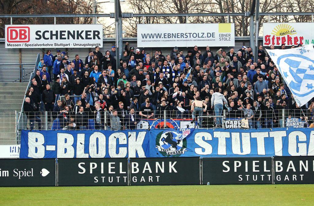 Die Stuttgarter Kickers rufen zu einer Spendenaktion auf. Foto: Pressefoto Baumann