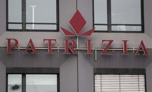 Die Entscheidung der Landesbank, ihre 21500 Wohnungen an die Augsburger Patrizia AG zu verkaufen, freut nicht jeden. Foto: dapd