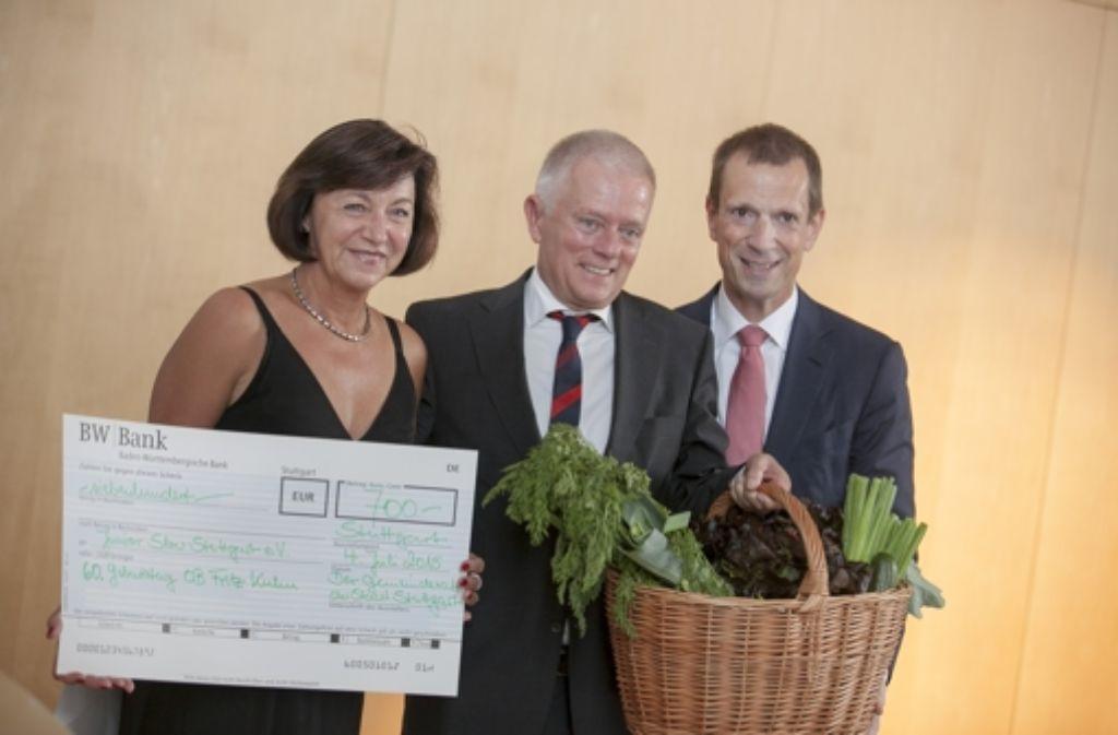 Fritz Kuhn mit seiner Ehefrau Waltraud Ulshöfer und CDU-Fraktionschef Alexander Kotz. Foto: Lichtgut/Leif Piechowski
