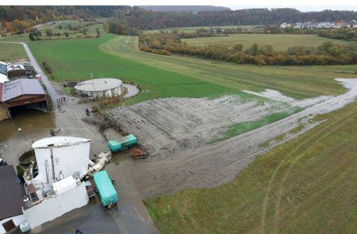 Gülle aus Biogasanlage flutet Bauernhof