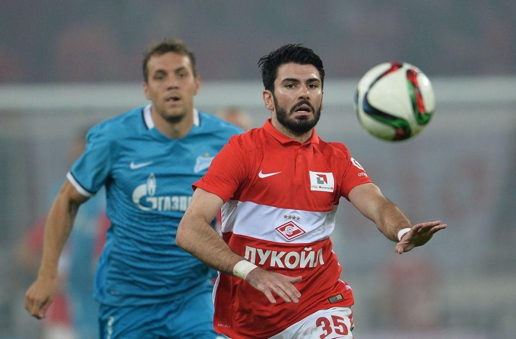 Serdar Tasci, der 2007 mit dem VfB Stuttgart Meister wurde, hofft auf den Aufstieg seines Ex-Vereins. Foto: picture alliance / dpa/Vladimir Astapkovich