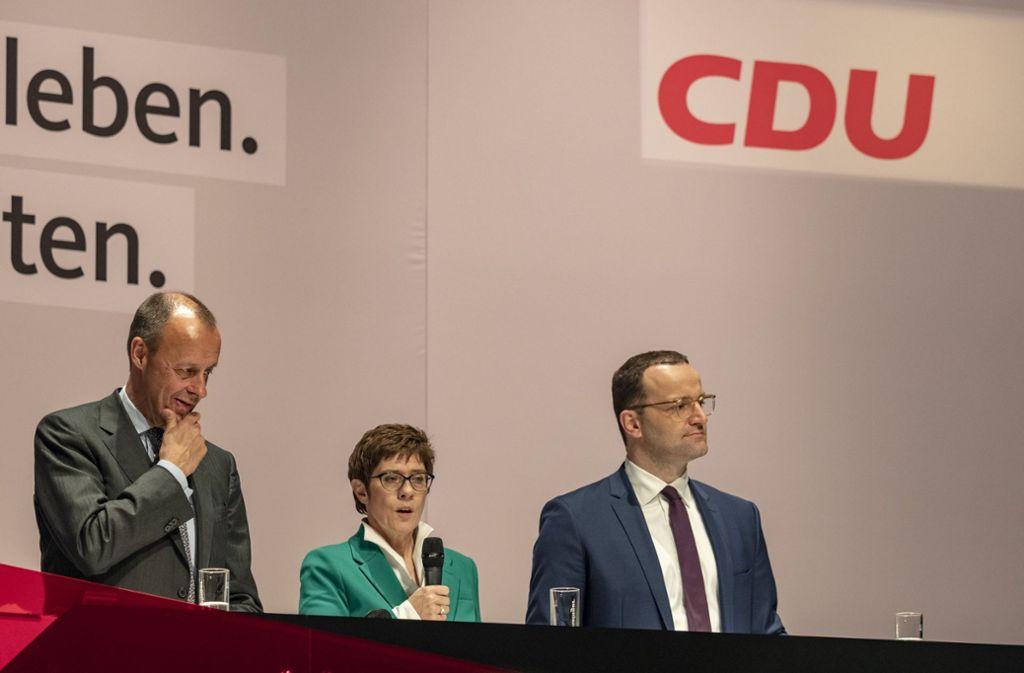 Friedrich Merz (links) ist der klare Favorit der Stuttgarter Parteibasis für den Posten des CDU-Bundesvorsitzenden. Annegret Kramp-Karrenbauer und Jens Spahn haben das Nachsehen. Foto: factum/Weise