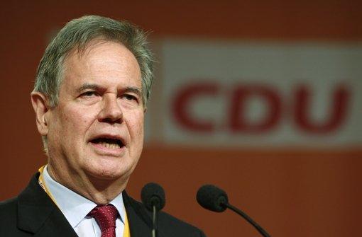 """Zu einem Vortrag von Exminister Gerhard Stratthaus lädt die """"parteipolitisch"""" neutrale Sparkasse Freudenstadt gemeinsam mit dem örtlichen CDU-Abgeordneten ein. Foto: dpa"""