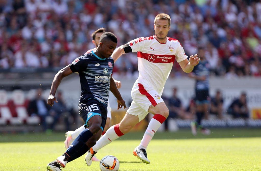 Verlässt Toni Sunjic (rechts) den VfB Stuttgart in Richtung Griechenland? Foto: Pressefoto Baumann