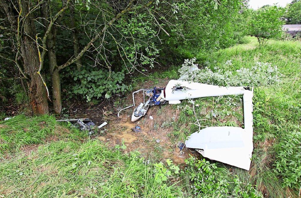 Der Segelflieger wurde bei dem Absturz  völlig zertrümmert. Foto: BFU