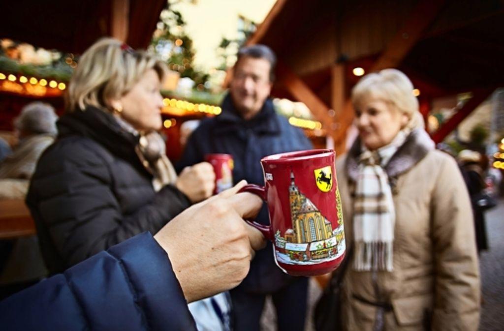Glühwein aus regionalen Weinen wird immer häufiger verkauft. Foto: Heinz Heiss