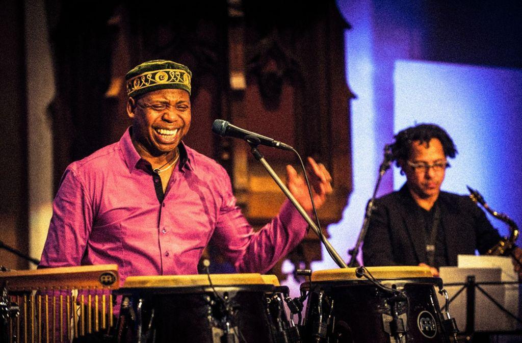 Der Percussionist und Sänger Roberto Santamaria ist um 20 Uhr im Schwanen zu Gast. Foto: Veranstalter