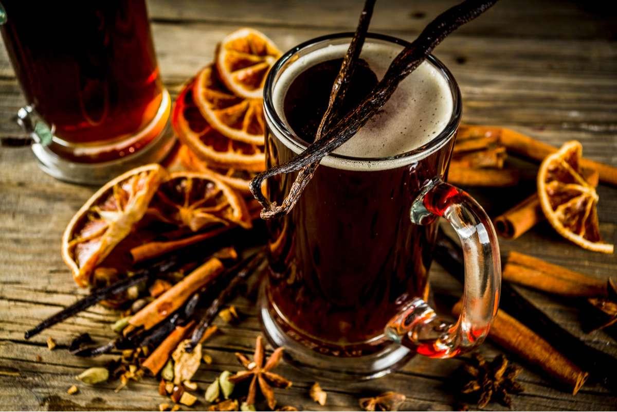 Glühbier Rezept: Einfach selber machen Foto: Rimma Bondarenko/Shutterstock