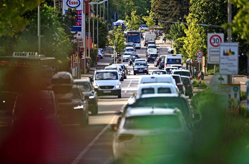 Die Ortschaft Waiblingen-Hegnach leidet  unter dem Durchgangsverkehr. Das Problem wird die Gemeinderäte weiter beschäftigen. Foto: