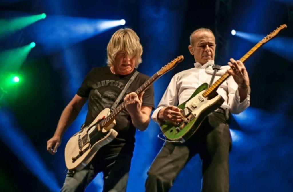 Rick Parfitt und Francis Rossi von Status Quo gehen beide auf die 70 zu. Die Rocklegenden  touren noch um die ganze Welt – ihr Publikum bevorzugt inzwischen die Sitzplätze. Foto: Veranstalter